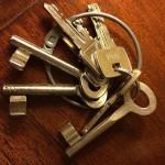 Hoe open ik een deur als ik mijn sleutel vergeten ben?